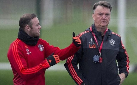Van Gaal matiz� las declaraciones de Rooney