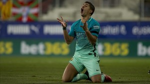 Luis Suárez logró el tercer tanto del Barça en Eibar