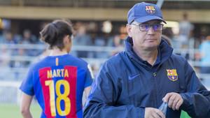 Xavi Llorens deja el Barça Femenino con la conquista de un nuevo título