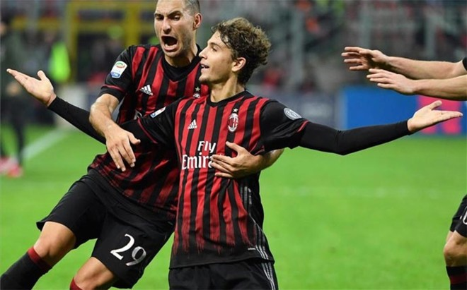 Locatelli, celebrando su gol a la Juventus