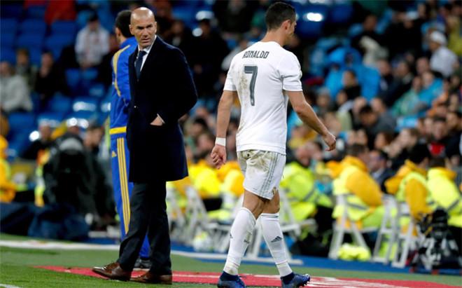 Zidane no quieer descartar a�n a Cristiano