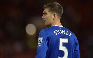 El defensa del Everton es una de las grandes promesas del fútbol británico