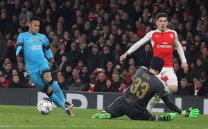 Cech no defenderá la portería del Arsenal en Barcelona