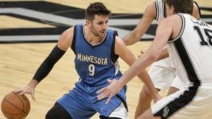 Rubio aportó doble-doble y fue el segundo máximo encestador de los Timberwolves