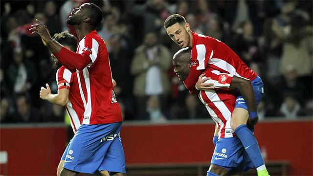 Video resumen del Sporting - Granada (3-1) - LaLiga Santander - Jornada 28