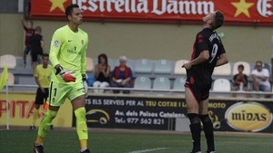 Édgar se lamenta tras fallar un penalty con 0-0 en el marcador