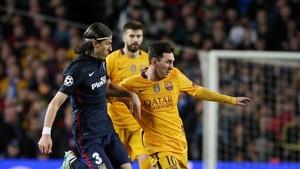 Filipe Luis admira a Messi y Piqué