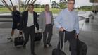 Albert Soler, Silvio El�as y Jordi Mestre llegan al hotel de concentraci�n del Bar�a en Saint George's Park