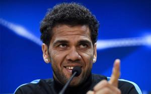 Alves se despachó a gusto contra la prensa