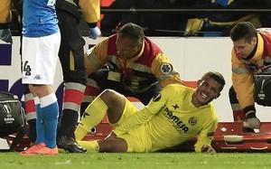 Jonathan cayó lesionado el jueves ante el Nápoles