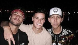 Neymar, junto a Coutinho y Firmino