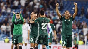 El Betis asaltó, contra todo pronóstico, el Santiago Bernabéu