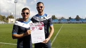 Los jugadores ceden su imagen a la campaña de lucha contra el cáncer