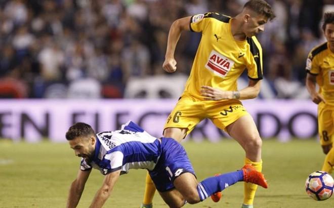 El Eibar ya us� el amarillo en la primera jornada, en el feudo del Deportivo de La Coru�a