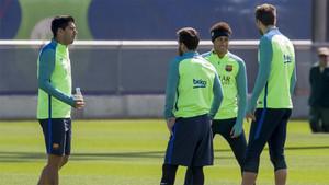 Neymar, junto a Luis Suárez, Messi y Piqué en el entrenamiento previo al Espanyol-Barça