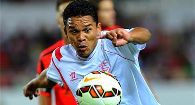 Bacca mejora su contrato con el Sevilla