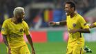 Dani Alves y Neymar Jr, jugadores del PSG