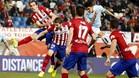 Pablo Hern�ndez marc� con este potente testarazo el primer gol de la noche