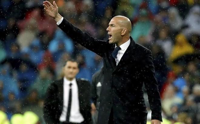 Zidane est� aguantando a las estrellas, pero resulven los que entran desde el banquillo