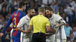 El Real Madrid pretende que Sergio Ramos se vaya de rositas tras su entrada a Messi