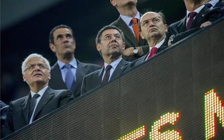 Bartomeu, en el palco junto al presidente sevillista