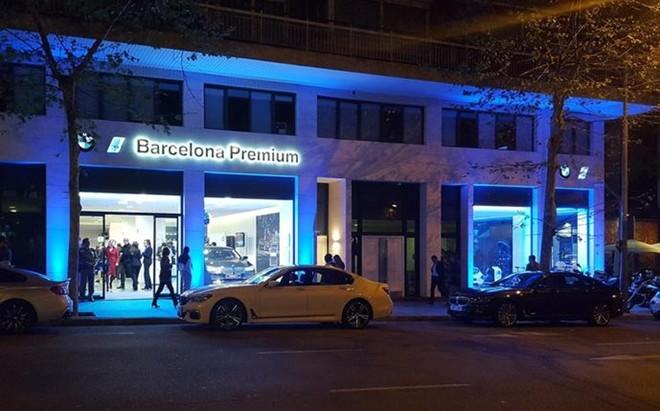 La fachada del nuevo concesionario de Barcelona Premium en la calle Entença, 332