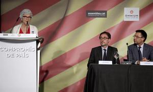 Muriel Casals, en el acto de la firma de los candidatos a la presidencia del documento Compromís de País
