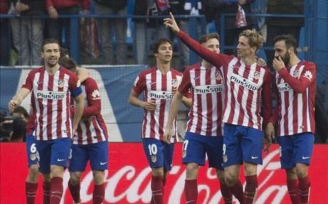 Torres, felicitado por su hist�rico gol