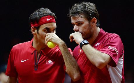 Federer y Wawrinka se impusieron a los galos