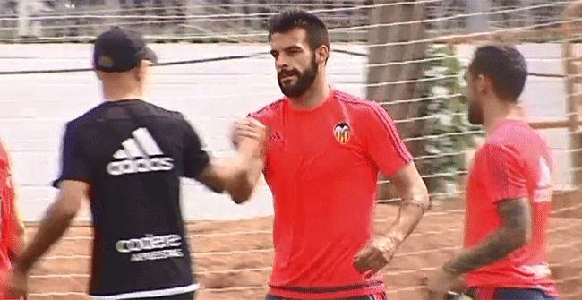 Negredo no seguir� en el Valencia y su destino puede ser Italia