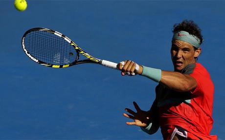 Rafa Nadal regres� a la actividad con victoria, quince semanas despu�s de su �ltimo partido
