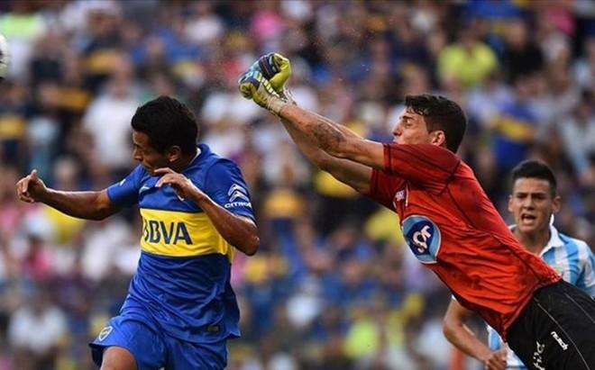 Werner, en acci�n durante un partido contra Boca Juniors