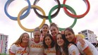 Ona Meseguer, junto con el resto de jugadoras de waterpolo femenino