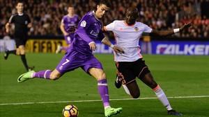 El Madrid pinchó en Mestalla