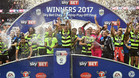 La plantilla del Huddersfield celebró su sufrido ascenso