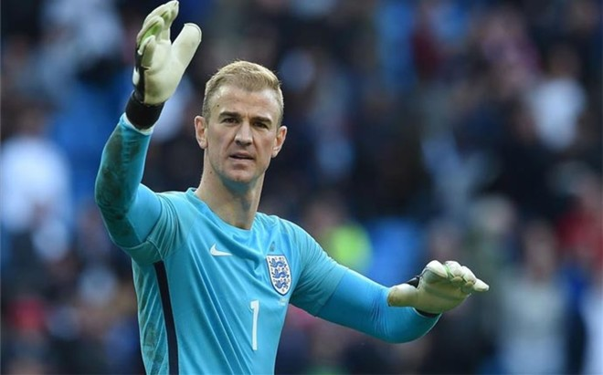 Hart abandon� la concentraci�n de Inglaterra
