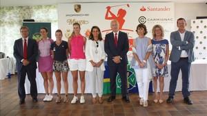 Jugadoras y organizadores, en la presentación del torneo en Vallromanes
