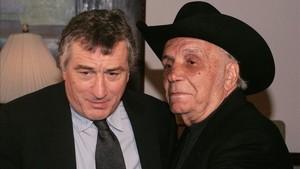LaMotta, junto a Robert de Niro, que encarnó al legendario púgil