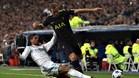 El Madrid salva un punto ante el Tottenham con polémica