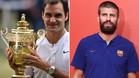 Roger Federer, que sostiene su octavo trofeo ganado en Wimbledon, fue elogiado por el defensa del Barça Gererd Piqué