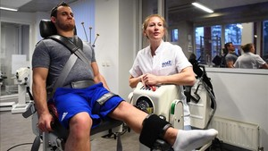 Samir Ait Said durante su rehabilitación en el centro de alto rendimiento de París