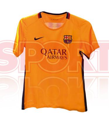 صور حصرية من السبورت لقميص برشلونة الأساسي والبديل في الموسم القادم Asi-seran-las-camisetas-del-barca-2015-16-1421969087393