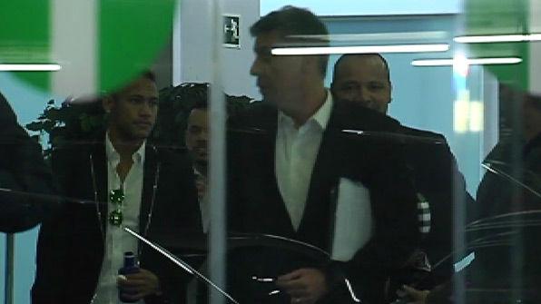 """El padre de Neymar, \""""muy optimista\"""" a su llegada a Barcelona"""