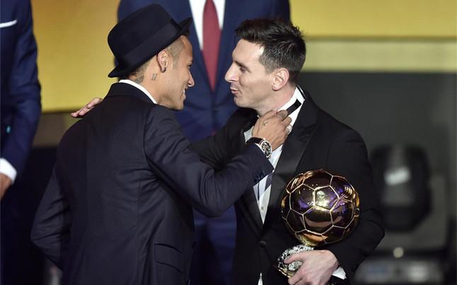 �Messi gana su quinto Bal�n de Oro!