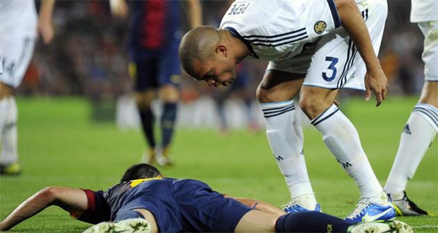 Pepe acusó a Iniesta de tirarse