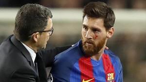 Messi acabó con la cara magullada ante la Juventus