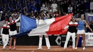 Las jugadoras francesas celebran su victoria en Roanne