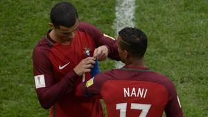 Cristiano cedió el brazalete de capitán a Nani mediado el segundo tiempo