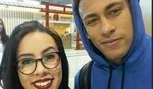 Neymar, antes de coger el vuelo hacia Barcelona