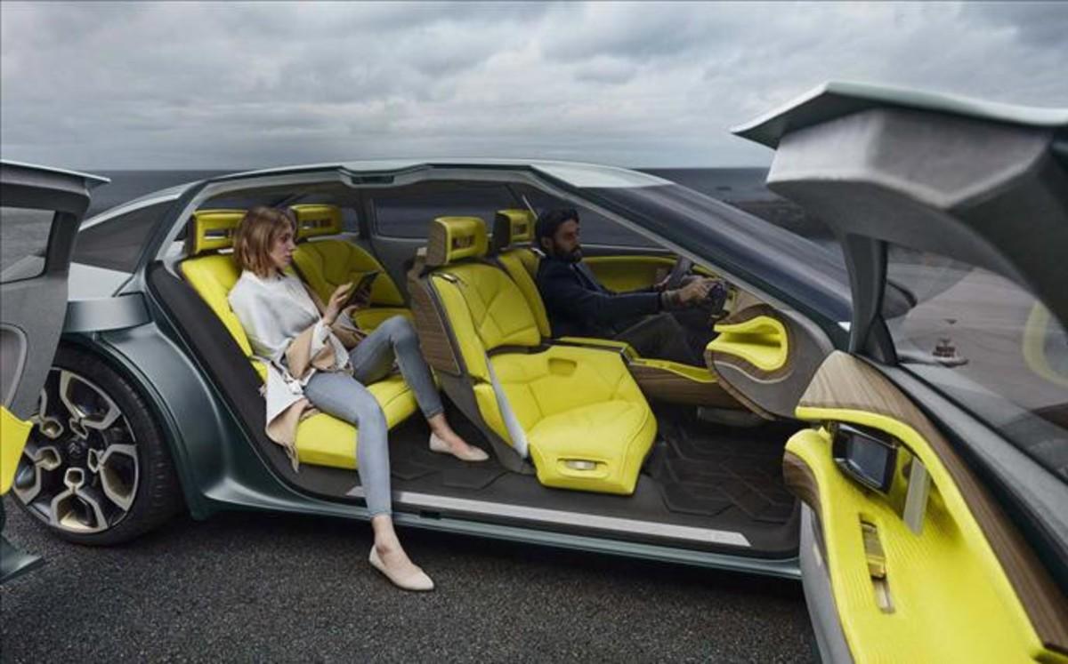 FERIA INTERNACIONAL DEL AUTOMOVILISMO,AUTOS TUNING-http://estaticos.sport.es/resources/jpg/4/0/jviaplana160831105511-1472633906704.jpg
